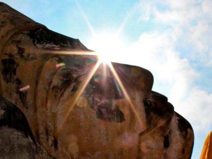 108 Sonnengrüsse  – Der Sonnentanz in den Mai | 01.05.17, 16-18.30 Uhr
